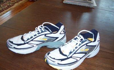 brooks-adrenaline-gts-marathon-running-shoe