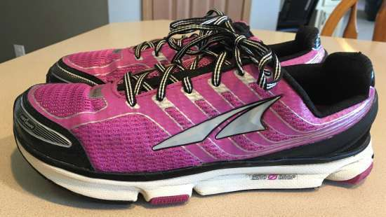 altra provision 2.5 running shoes