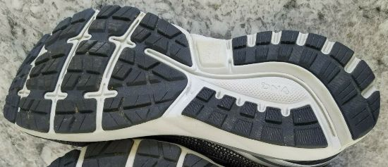 BROOKS-GHOST-11-outsole