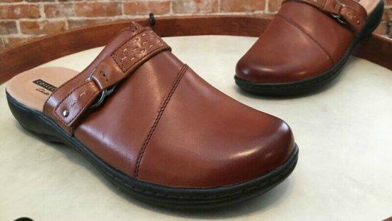 Clarks-Leisa-Sadie-nursing-shoes