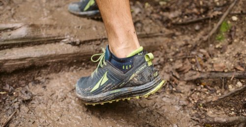 waterproof-running-shoes-black-toenails