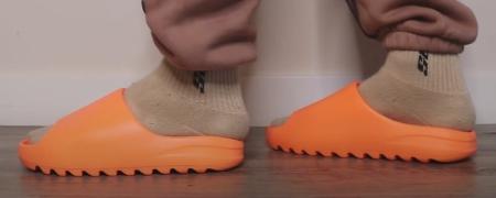 yeezy-slides-enflame-orange-sizing