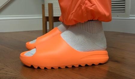 yeezy-slides-orange-sizing